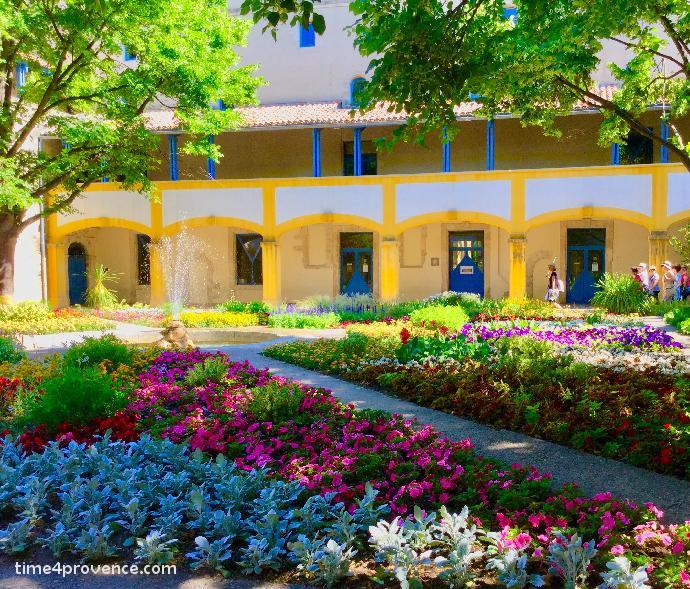 Van gogh arles jardin de l hotel dieu